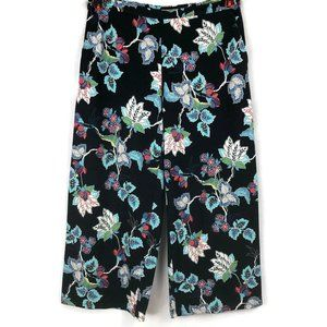 J Jill Wearever  Medium Black Floral Crop Pants